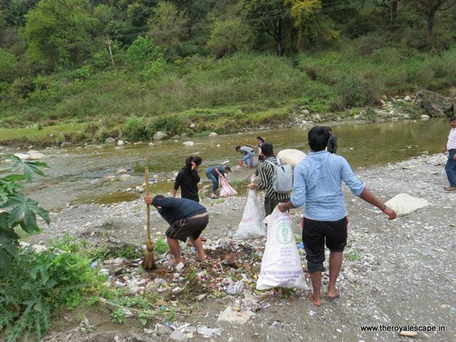 The Royal Escape - swachh bharat abhiyaan initiative - offbeat travel facilitators - plan your trip (10).jpg
