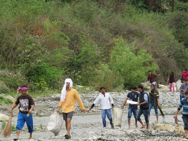 The Royal Escape - swachh bharat abhiyaan initiative - offbeat travel facilitators - plan your trip (25).jpg